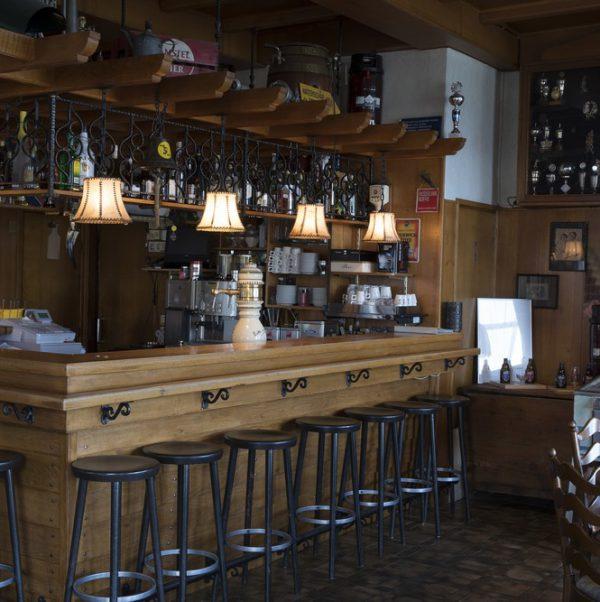 cafe-hotel-de-lindeboom-1