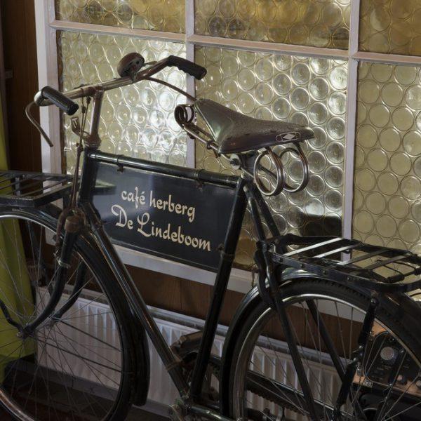 cafe-hotel-de-lindeboom-4